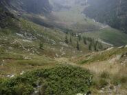 dopo il traverso, traccia di discesa verso l'alpe Arvus