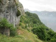 Il tratto che costeggia le rocce