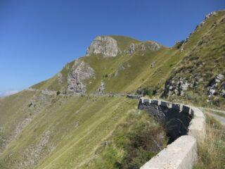 Strada sotto la Pointe de Ventabren