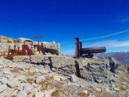 residuati bellici sulla cima del Monte Scaletta