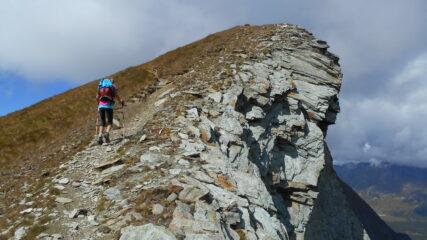 Sul primo tratto della cresta, verso la Punta del Lago