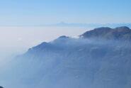 Dalla Punta Cressa: sopra la foschia della pianura il Monviso
