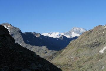 il Col du Mont scendendo verso il lago di San Grato
