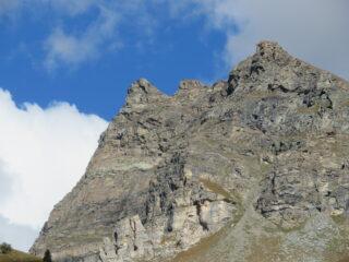 La Becca (prima a sin.) vista da Cheneil
