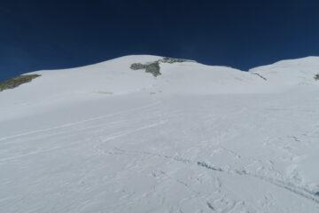 in questo tratto neve buona, più in altro crosta non portante