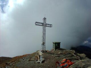 Croce e nuvoloni...