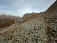 rientro con goccie di poggia: il sentiero passa sul versante Nord dell'Antecima