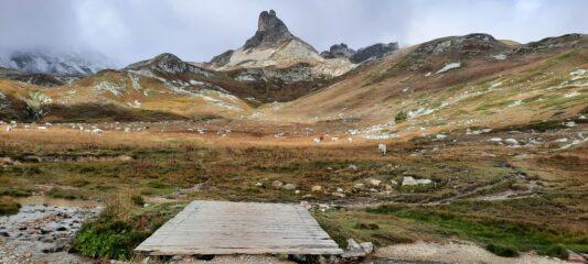 Gran Adritto dal bivio con il sentiero che sale al Col des Meandes