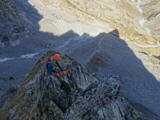 All'ombra della cresta nord della guglia (foto mgulliver)