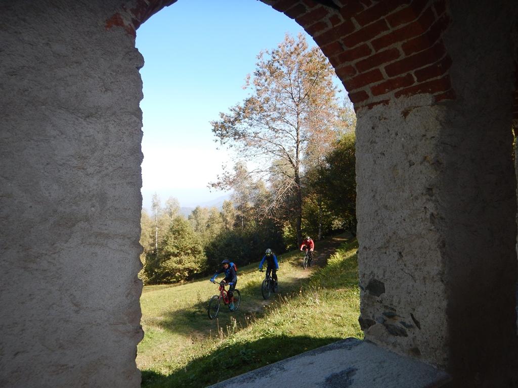 Passaggio in discesa alla cappella dell'Olocco