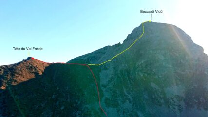 In rosso la parte finale della salita. In giallo la cresta NO della Becca di Vioù