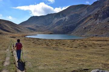 Il Lago dell'Oronaye e il monte Pierassin salendo verso il Colle di Roburent