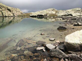 Le acque del Lac Pisonet (2738 m)
