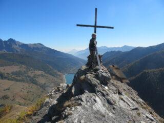 la vetta domina il lago di Pontechianale
