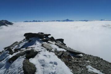 mare di nebbia sulla Valle d'Aosta dal Mont Menouve