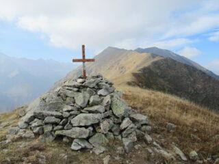 Monte Merqua con la lunga cresta percorsa dal Monte Bourel