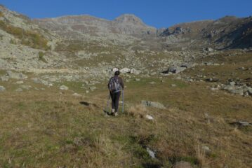 Salendo nel vallone Alpetta