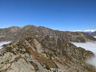 Dal Verzel l'intero sviluppo della cresra che separa la ValSoana dalla Val Savenca